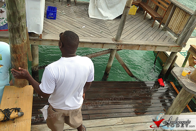 Tackle Box Pier Deck Collapses in to sea during Easter Break