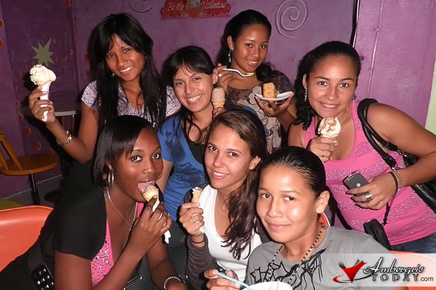 Solani Graniel and her friends socializing during the weeeknd