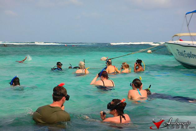 Tourists visiting Hol Chan Marine Reserve, Ambergris Caye