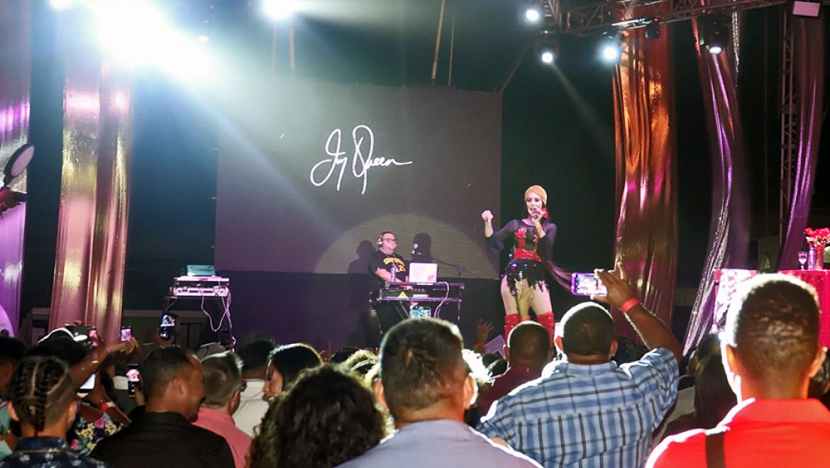 Ivy Queen Delivers Memorable Performance at Costa Maya Festival