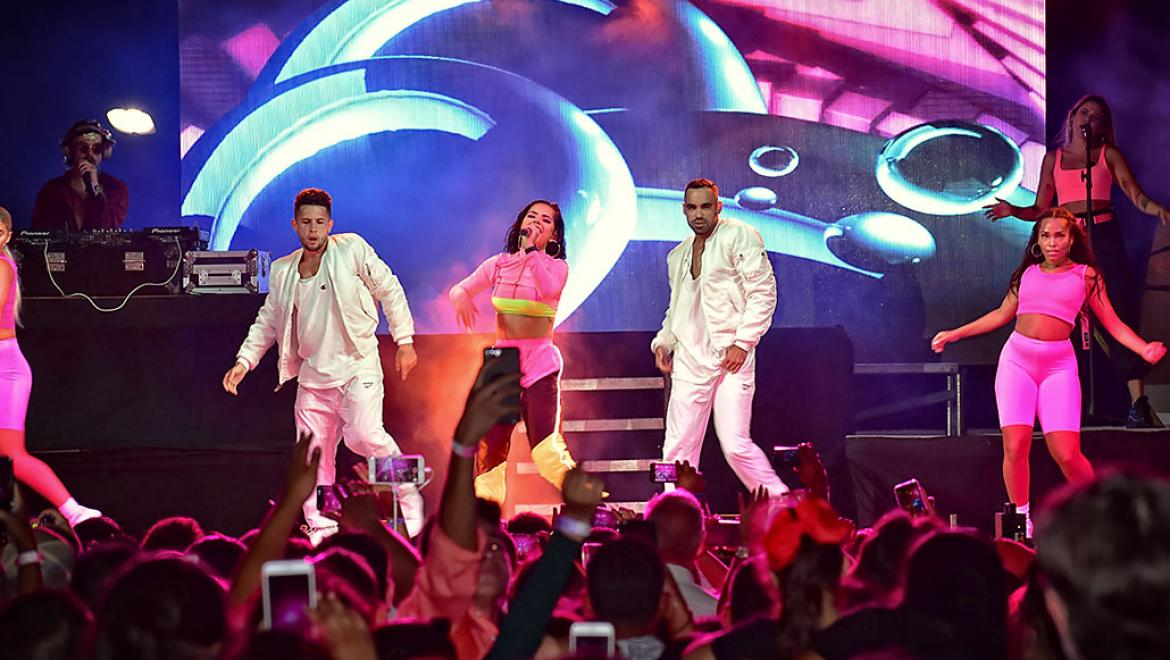Becky G Makes Things Right with Super Concert