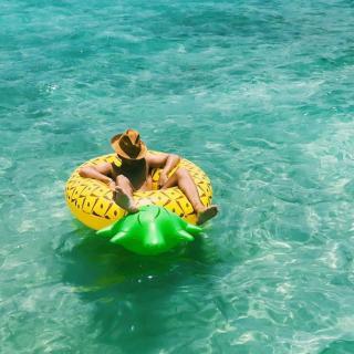 When The Temperature Rises in Belize - Celebrity Photographer Steven Taylor