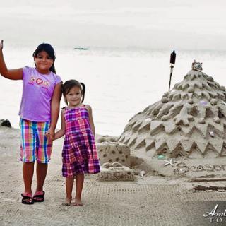 Christmas Sand Art at Cayo Espanto