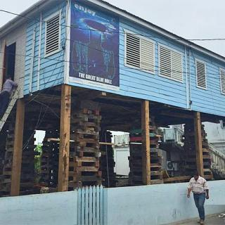 Mennonites of Belize elevate house to two storey