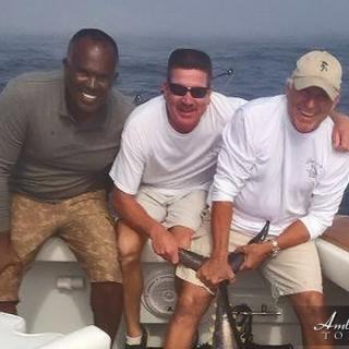 San Pedro Pilot Gerald Leslie fishing with Jimmy Buffett