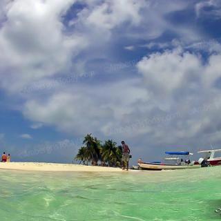 Snorkeling Trips to Silk Cayes of Placencia Peninsula, Belize