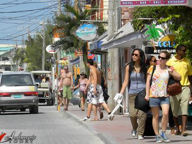 Tourist Allowed to Move More Freely in Belize